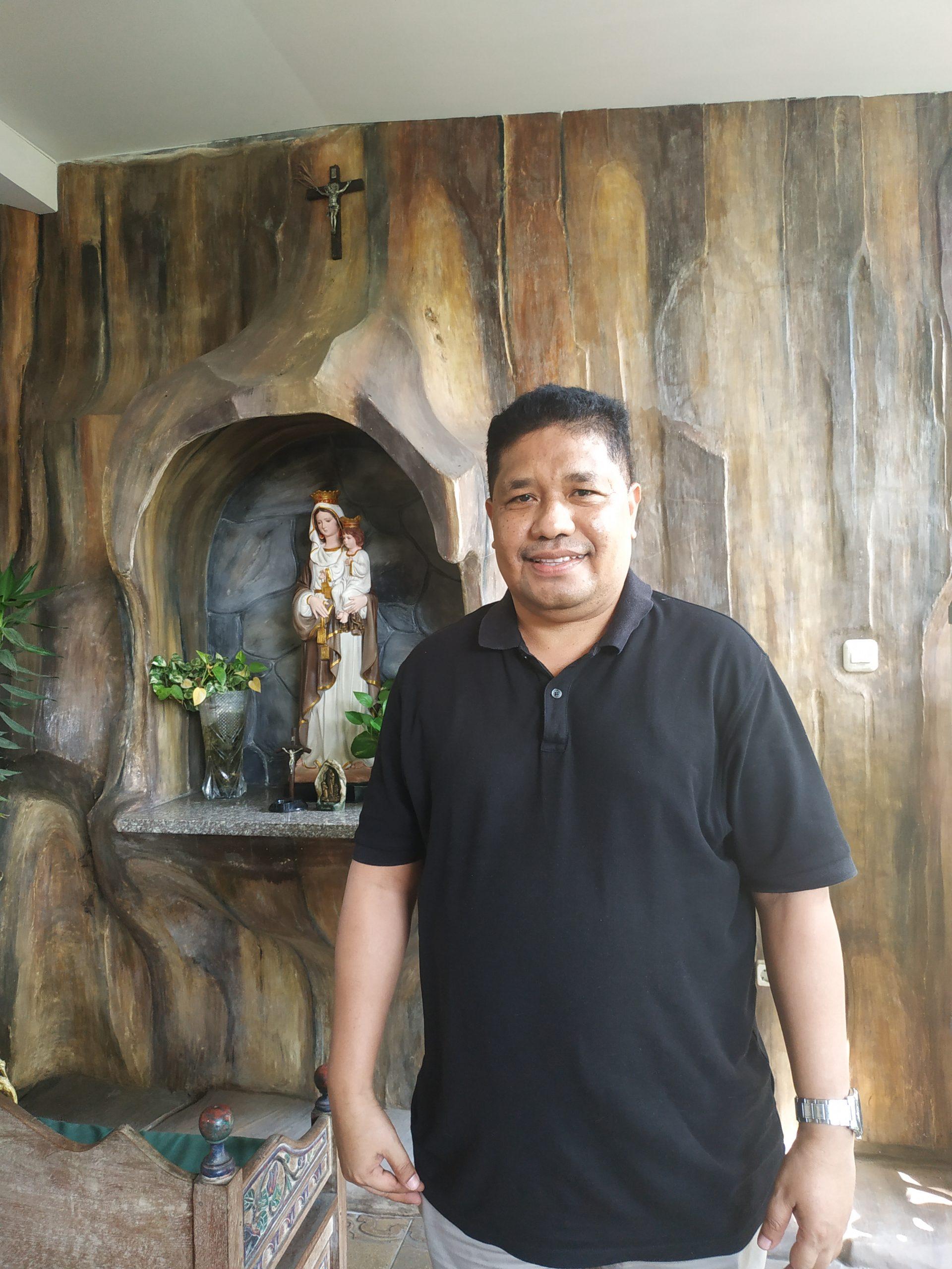 Pastor Gregorius Nasionus Karel Tola, O.Carm: Tuhan Memveto Saya jadi ImamNya