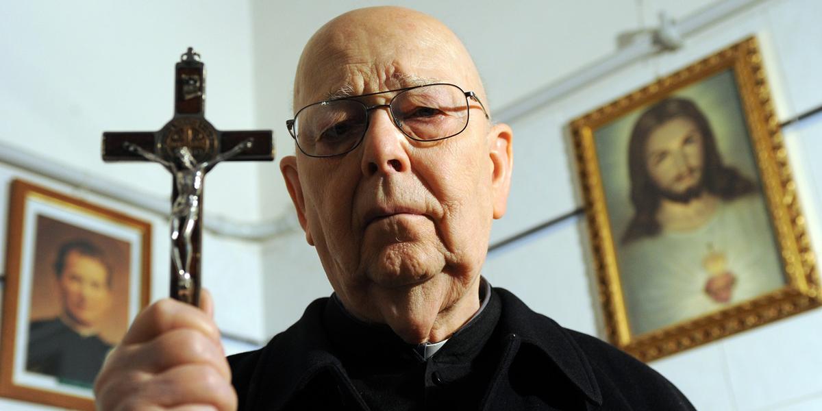 Bagaimana Exorcist Pastor Gabriele Amorth (alm) Menemukan Panggilannya Menjadi Imam